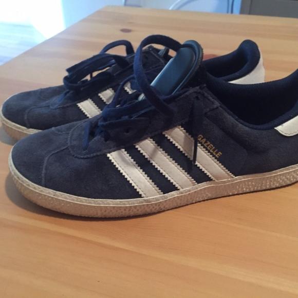63% de descuento en zapatillas adidas Gazelle Trainer zapatilla zapatos Boys SZ 45 poshmark